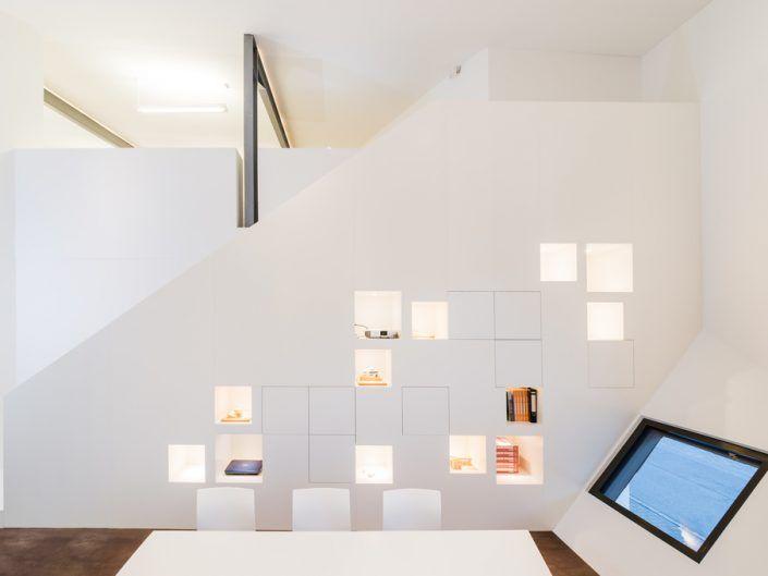 Möbelentwurf für ein Architekturbüro (Schranktreppe)