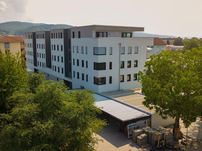 Wohnkomplex mit 26 Wohn- und 2 Büroeinheiten